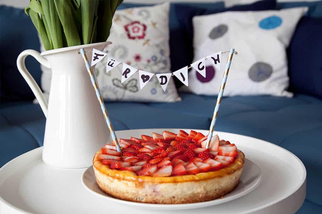 Wunderschöne Dekoidee für Kuchen - Kuchengirlande